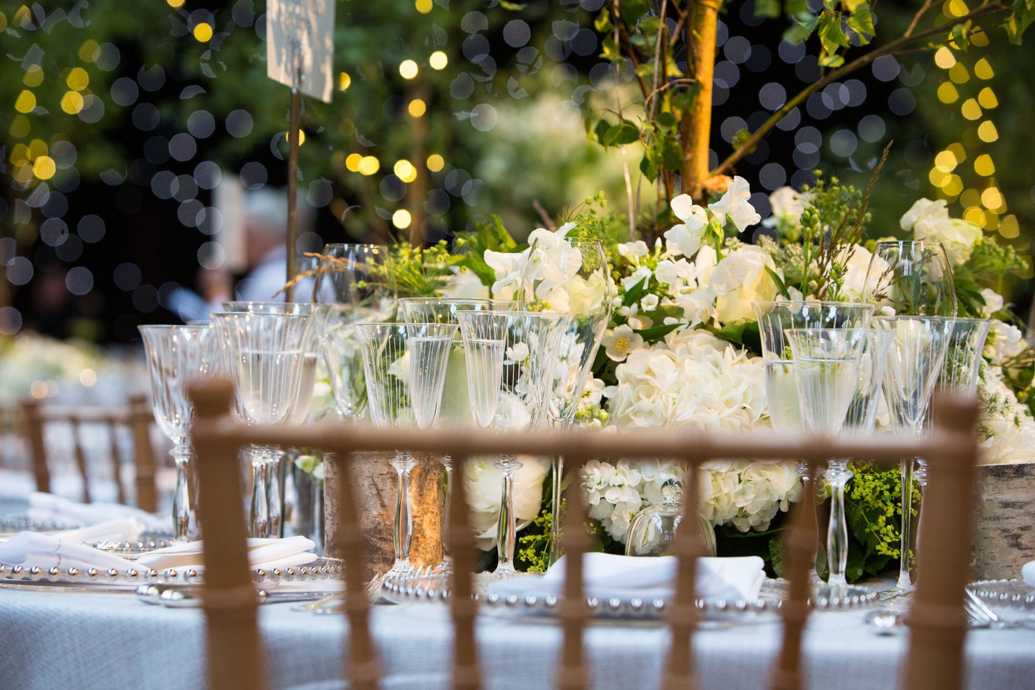 Littleton-Rose-Natural-History-Museum-London-Wedding-Planners-Table-Centre-Close-Up.jpg