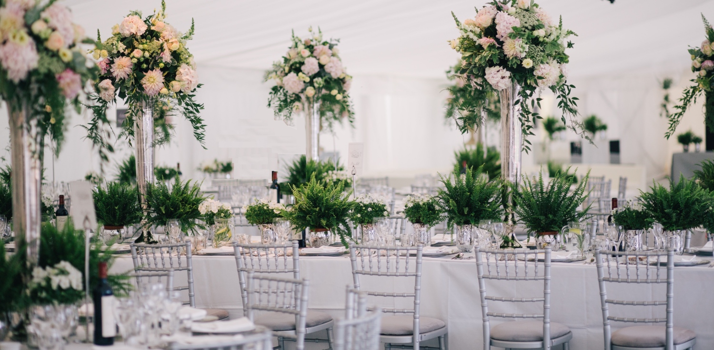 Littleton-Rose-Botanical-Wedding-Cornwall-Wedding-Planners-Top-Table.jpg