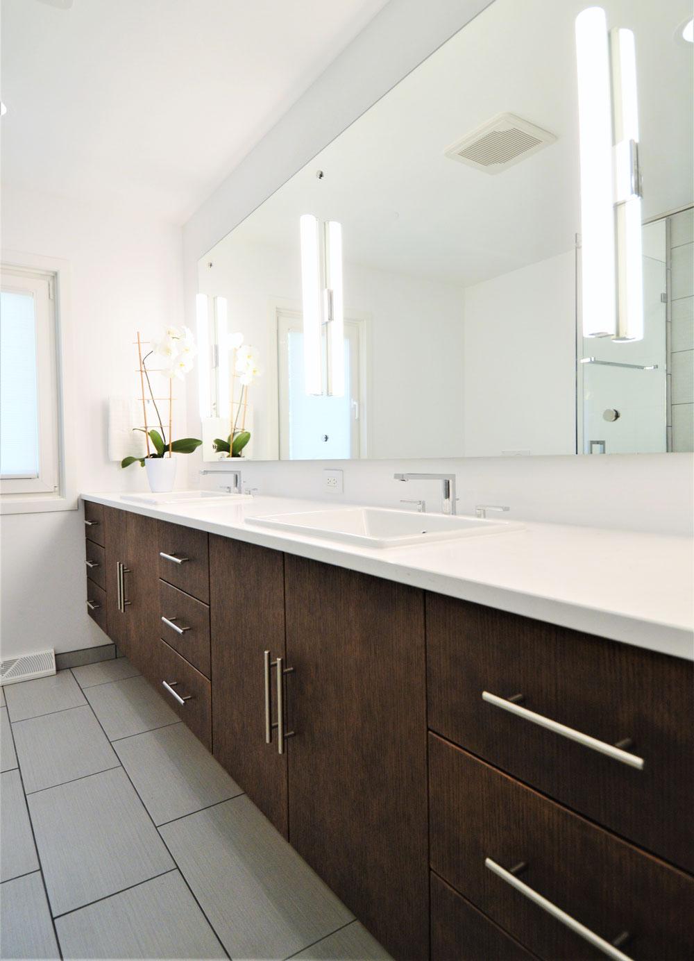 bathroom_angledsinkview.jpg