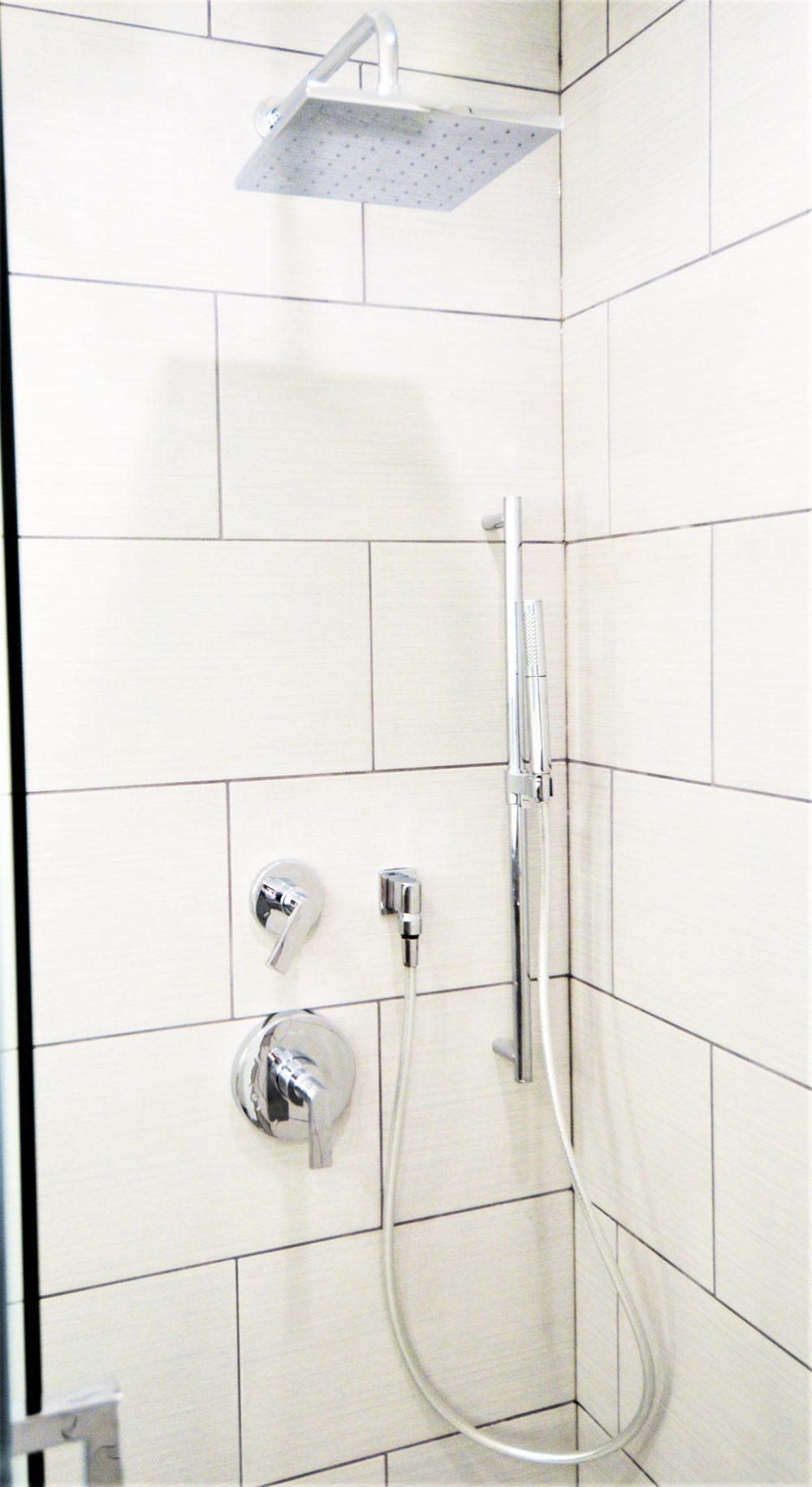 closeup_bathroom.jpg