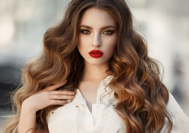 Extensions That Look Real - There's more to great extensions than using quality hair. Anyone can attach them, so what's the difference? Applying extensions so they don't look like hair extensions is an art and skill that Scott has perfected to give you the hair you deserve.