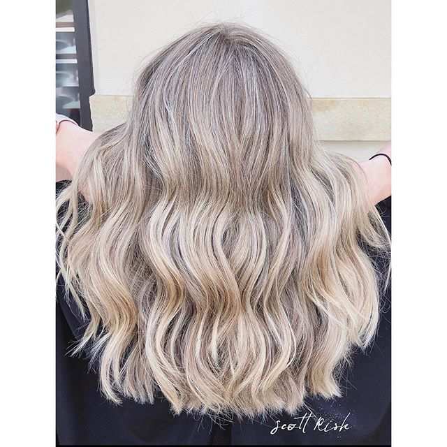 Natural-looking Cool Blonde #blonde #highlights #dallastx #dallasblonde #dfwhairstylist #balayage #ombre ##lowlights #scottriskhair #haircut #hairstyles #hairbrained #hairdresser #behindthechair #modernsalon #longhair