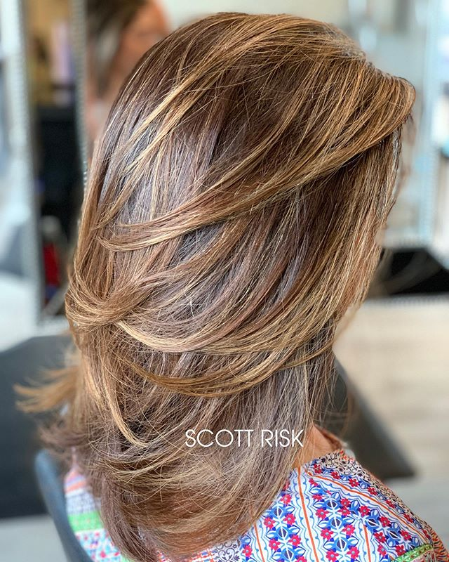 Luminous Brunette Layers #coloredhair #layeredhaircut #dallashair #highlights #hair #dallashairstylist #modernsalon #friscohairstylist #haircolor #balayage #balayagehighlights #planohairstylist #haircut #hairstyles #brunettebalayage #brunette