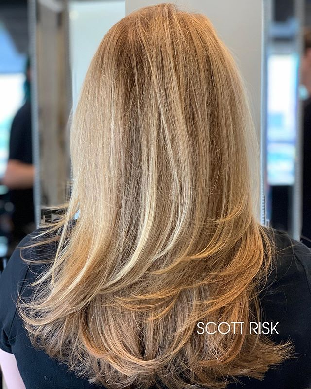 Soft Cream Blonde #highlights #blonde #haircut #haircolor #blondehair #haircolorist #hairstyle #behindthechair #hairstyles #modernsalon #hairbrained #blondehighlights #hairdresser #layeredhaircut #longhair