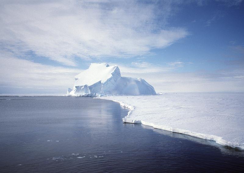 View_of_the_Riiser-Larsen_Ice_Shelf_in_Antarctica.jpg
