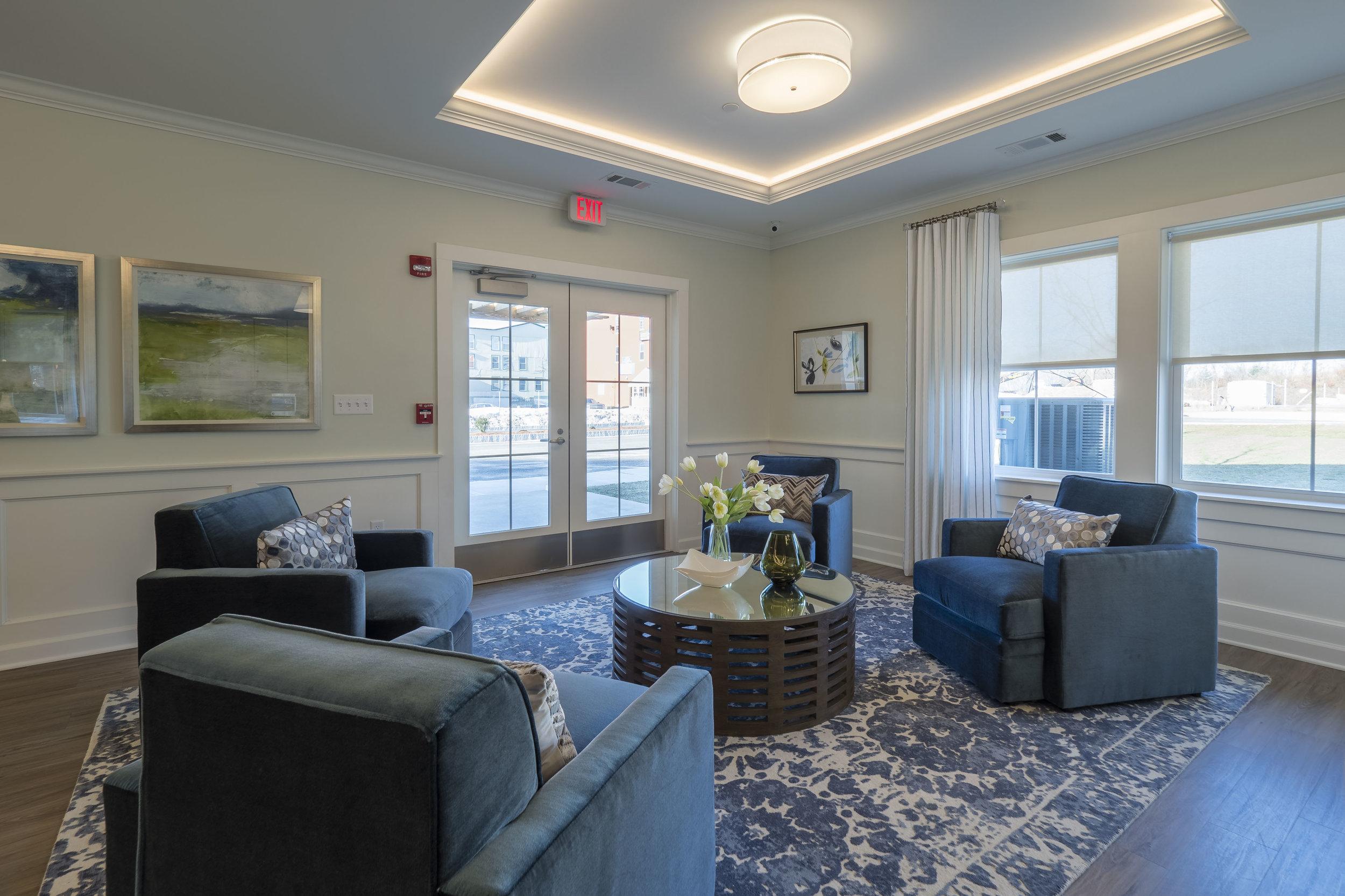 Lounge10_HiRes.jpg