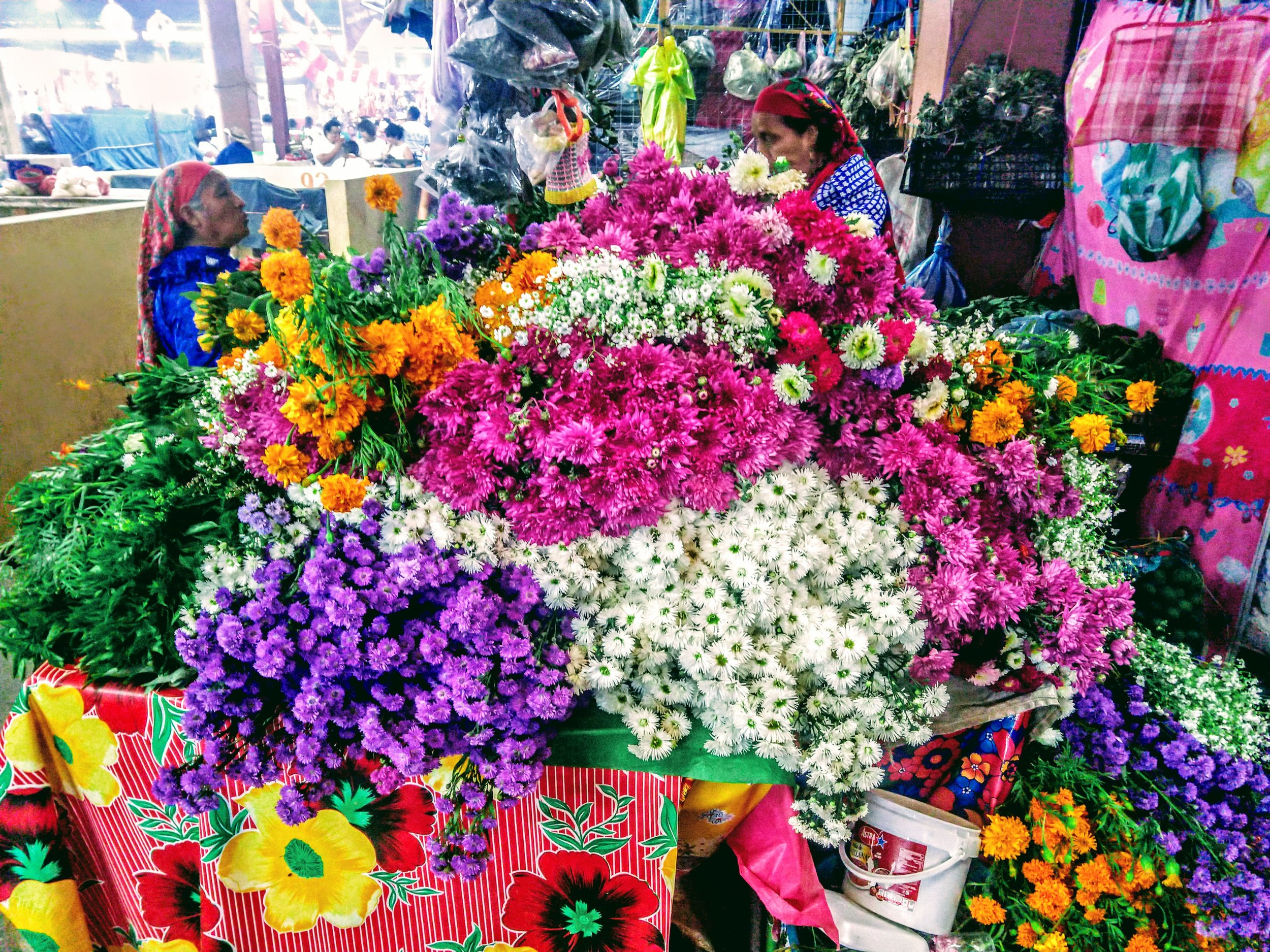 One of dozens of flower stalls in Tlacolula!