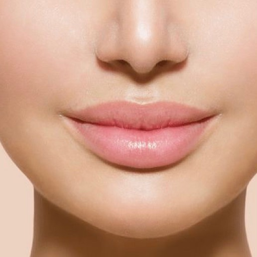 Have you been considering filler? Come see us! Our injectors are experts and have mastered techniques to dramatically enhance natural beauty.  Define, enhance, restore your lips with restylane or juvederm at Santé- give us a call to book your appointment. 💋