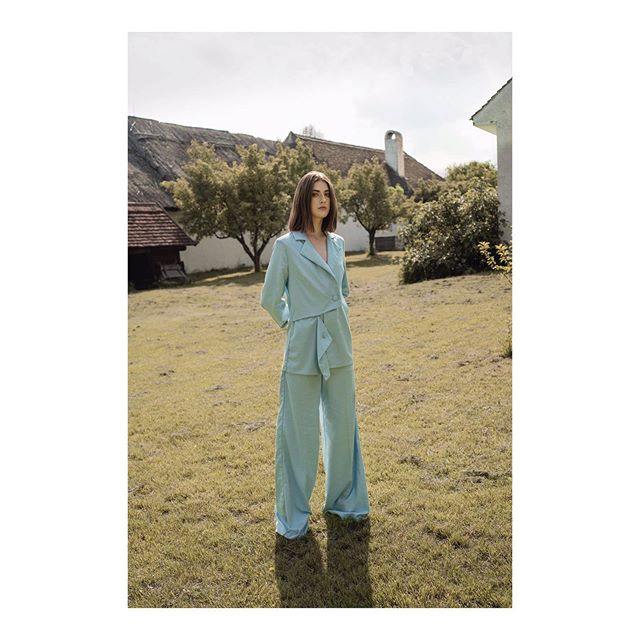 @nagyorsi 's blue suit and her inspiration: her grandpa