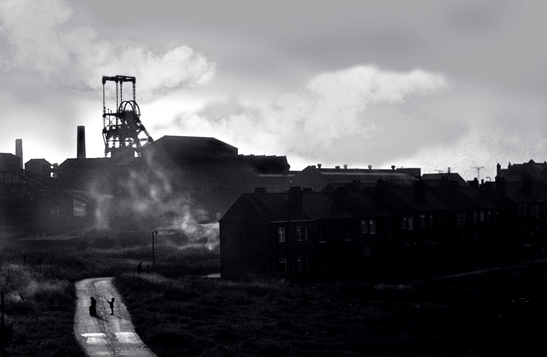08 Pit head and village, Workshire .jpg