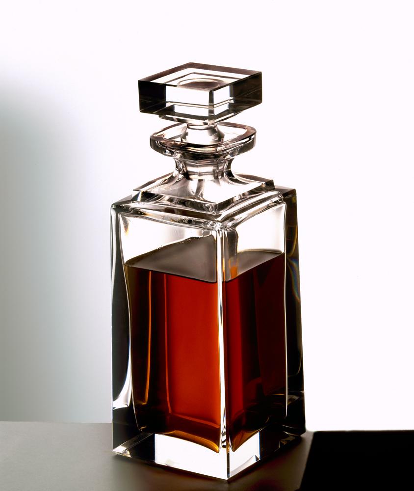 crystal whiskey decanter...101.jpg