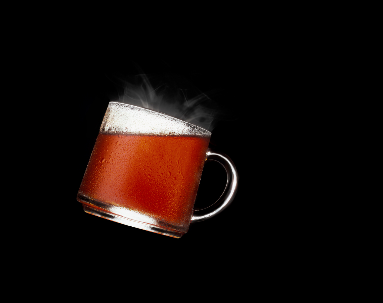 tea in a glass cup steaming...132.jpg
