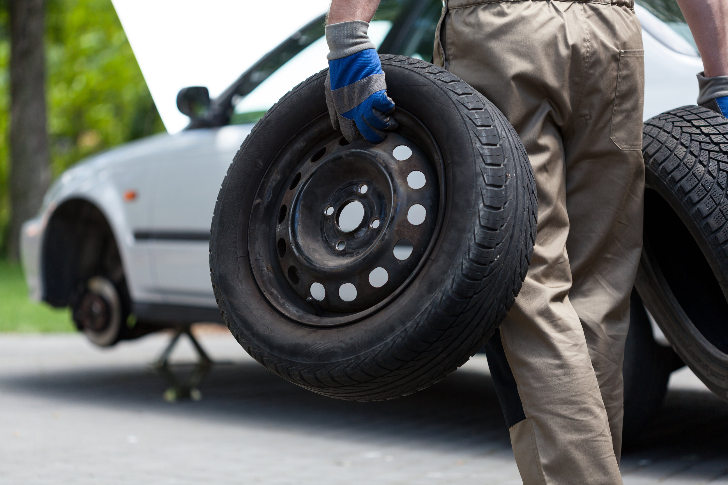 Flat Tire Assistance - Tire Change, Tire Repair, Full 24 Hour Mobile Tire Service.