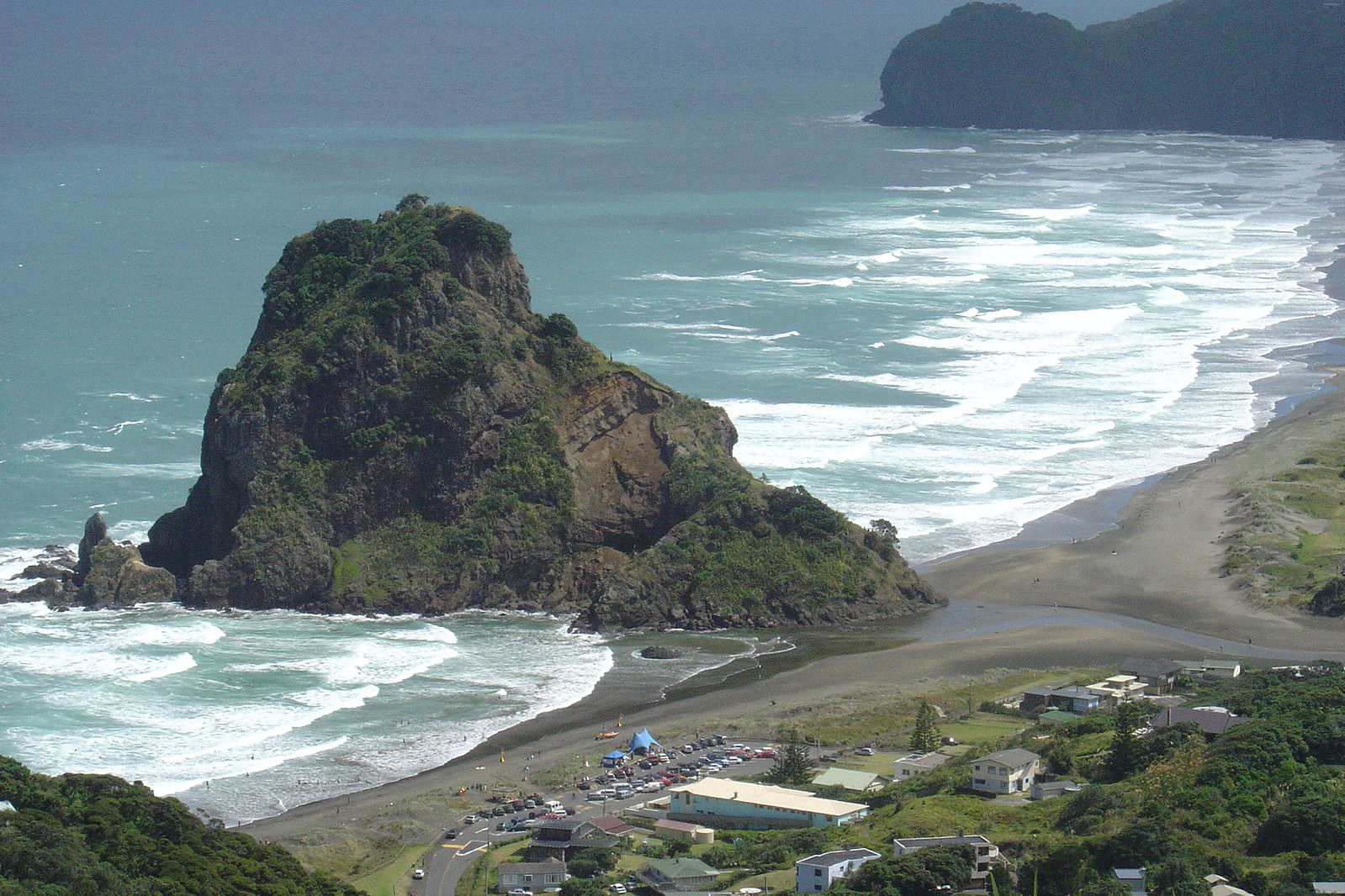 Piha_and_Lion_Rock.JPG