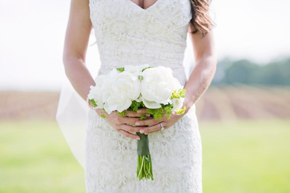langley-farm-bourbon-wedding-spring-cream-bride-woodford-699