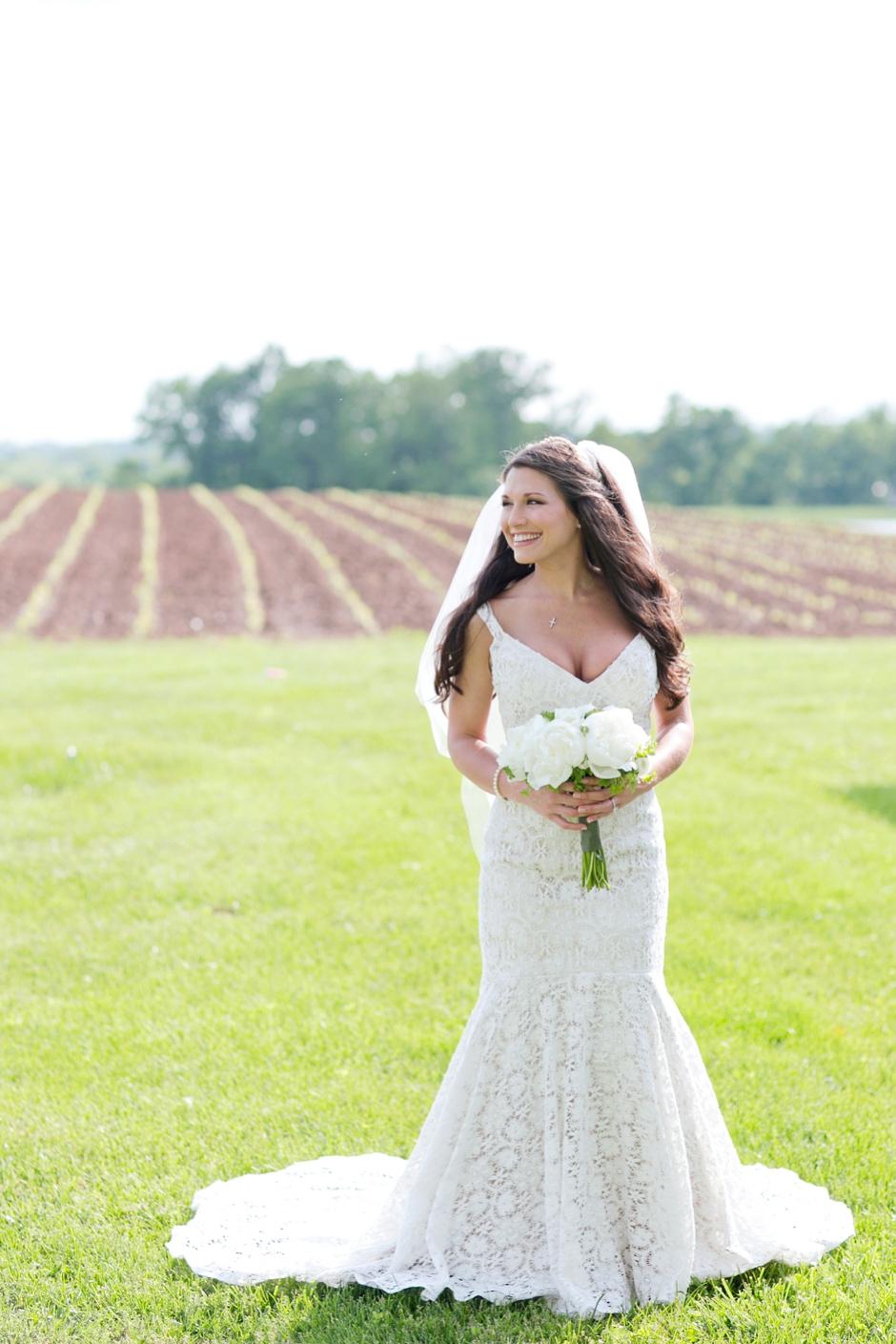 langley-farm-bourbon-wedding-spring-cream-bride-woodford-701