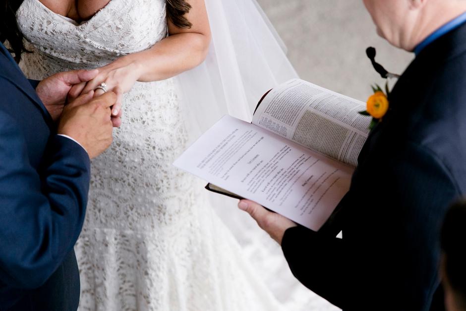 langley-farm-bourbon-wedding-spring-cream-bride-woodford-730