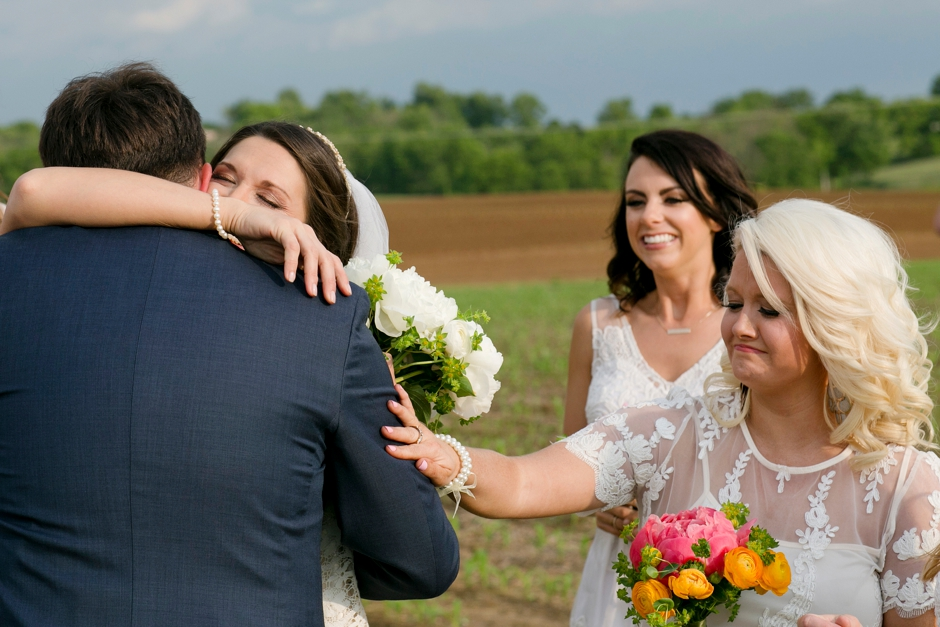 langley-farm-bourbon-wedding-spring-cream-bride-woodford-738