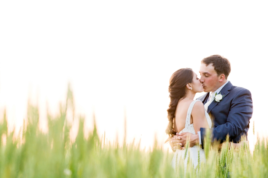 langley-farm-bourbon-wedding-spring-cream-bride-woodford-756