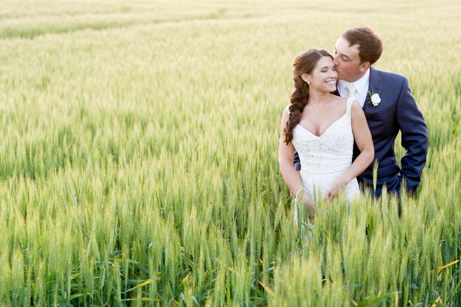 langley-farm-bourbon-wedding-spring-cream-bride-woodford-764