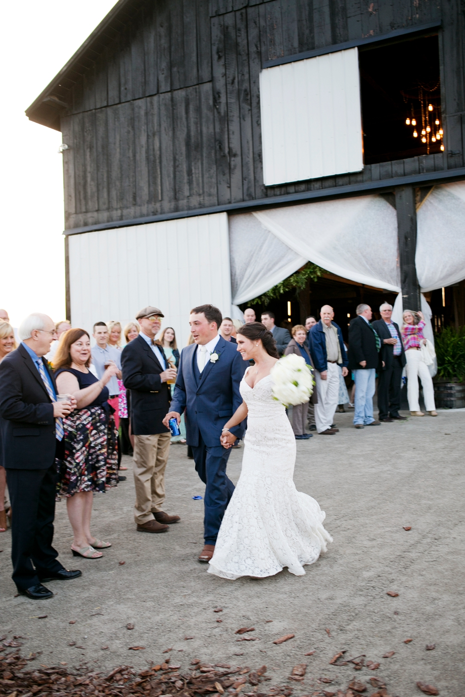 langley-farm-bourbon-wedding-spring-cream-bride-woodford-779