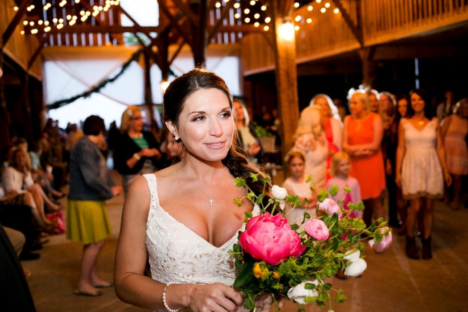 langley-farm-bourbon-wedding-spring-cream-bride-woodford-782