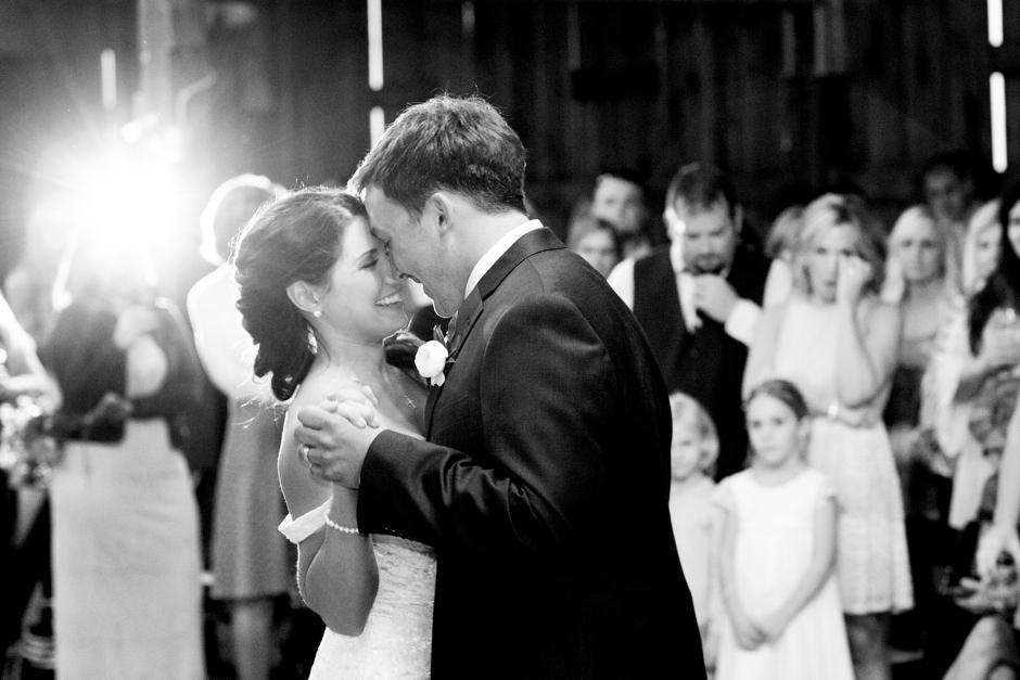 langley-farm-bourbon-wedding-spring-cream-bride-woodford-786