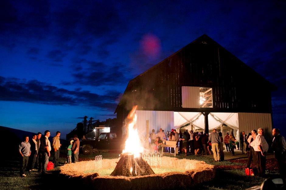 langley-farm-bourbon-wedding-spring-cream-bride-woodford-789