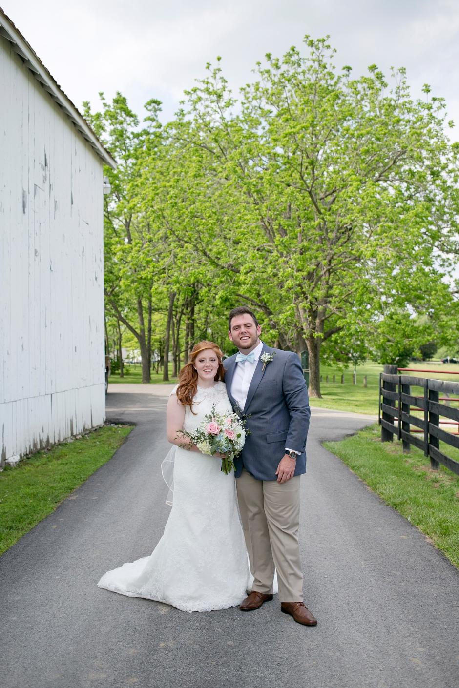 kentucky-spring-wedding-red-orchard-park-blush-555