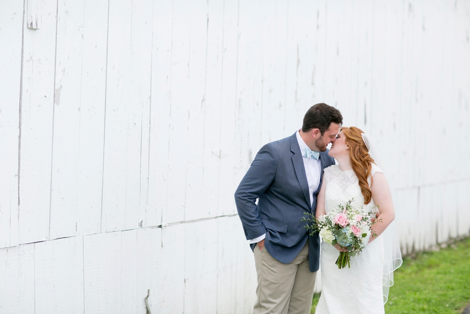 kentucky-spring-wedding-red-orchard-park-blush-574