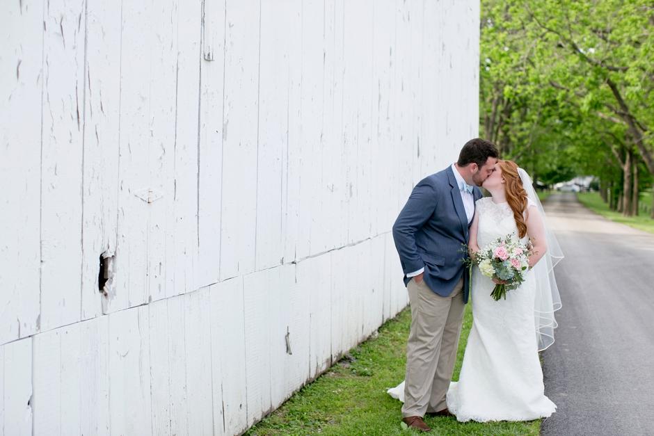 kentucky-spring-wedding-red-orchard-park-blush-576