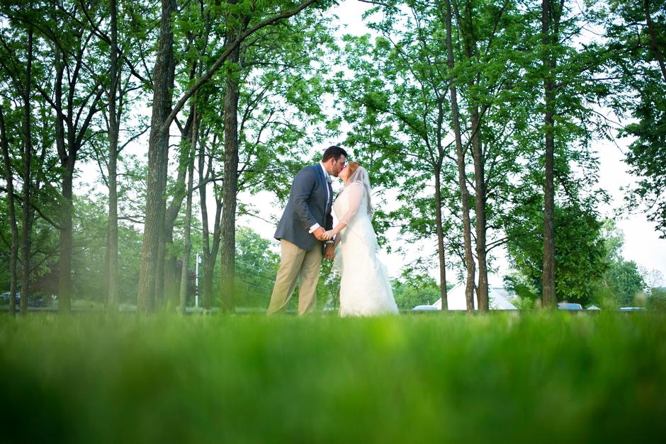 kentucky-spring-wedding-red-orchard-park-blush-636