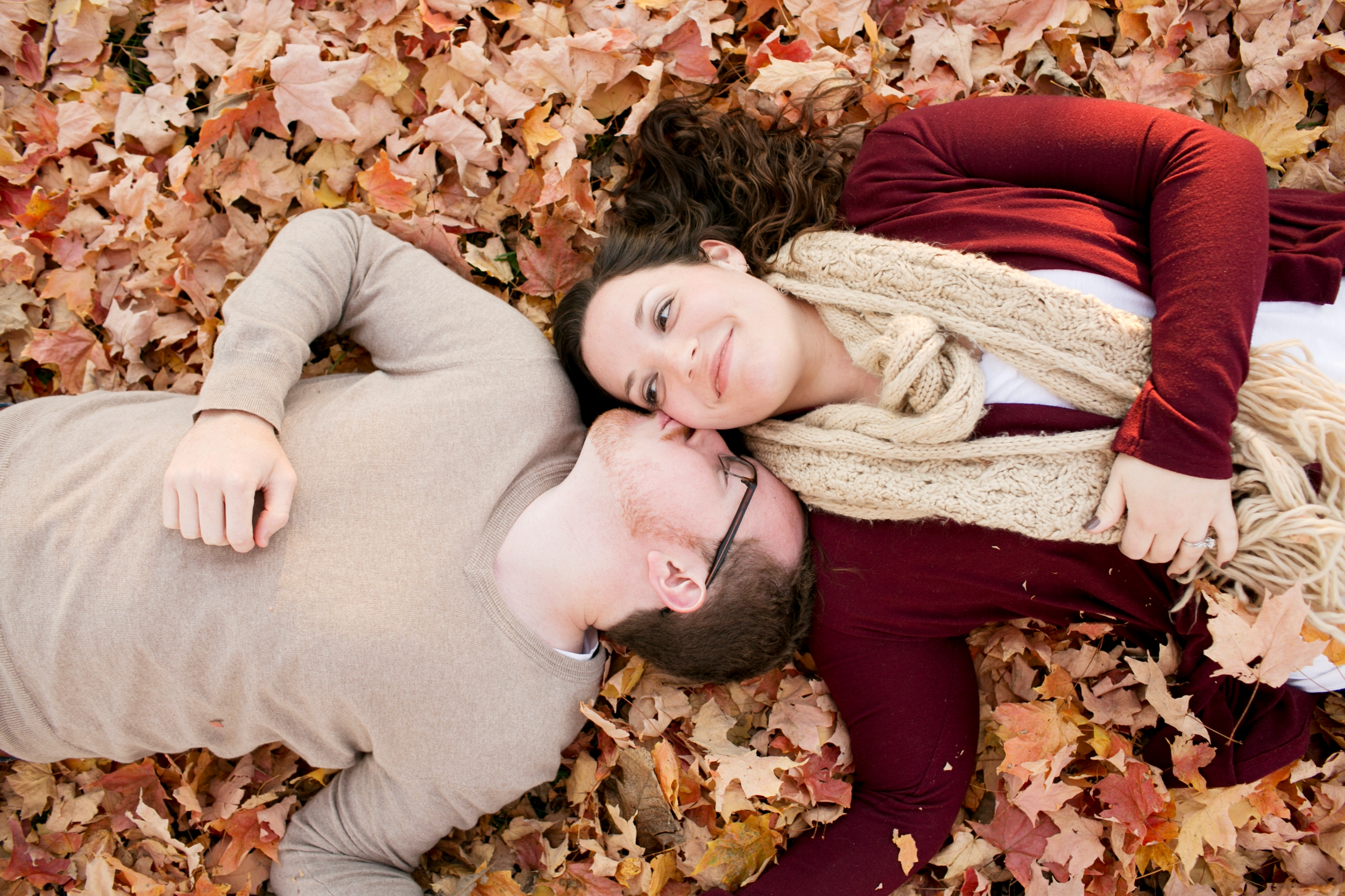 3-shelbyville-fall-engagement-pictures.jpg