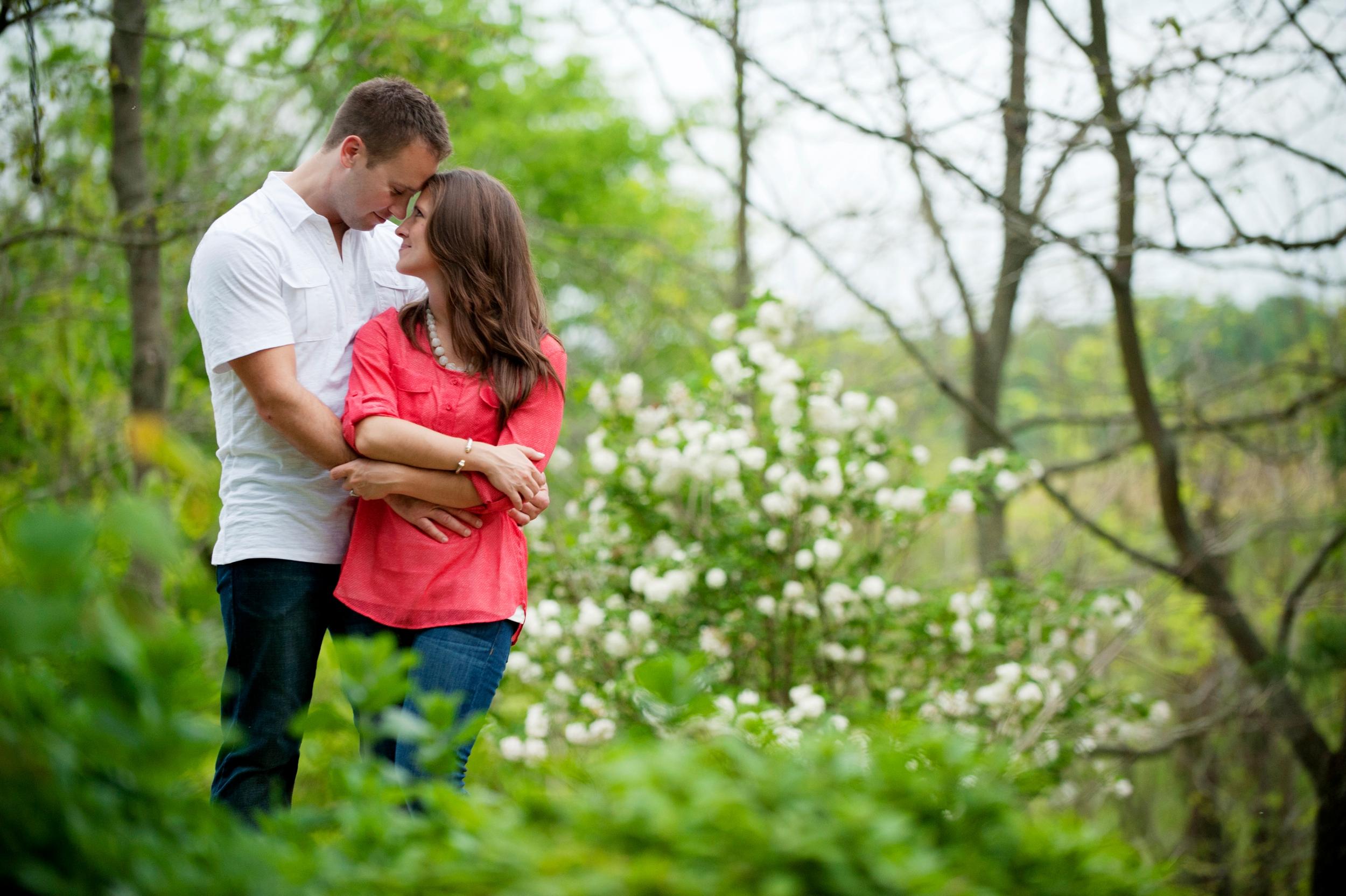 20-shelbyville-farm-engagement-picture.jpg