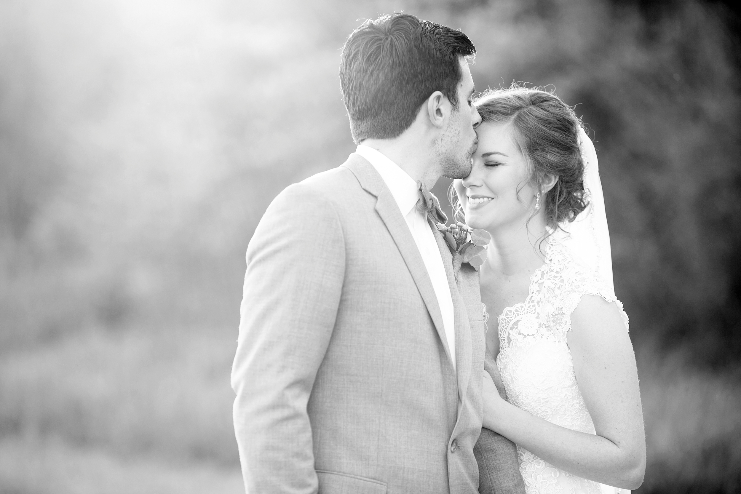 34-kentucky-outdoor-wedding-picture-black-and-white.JPG