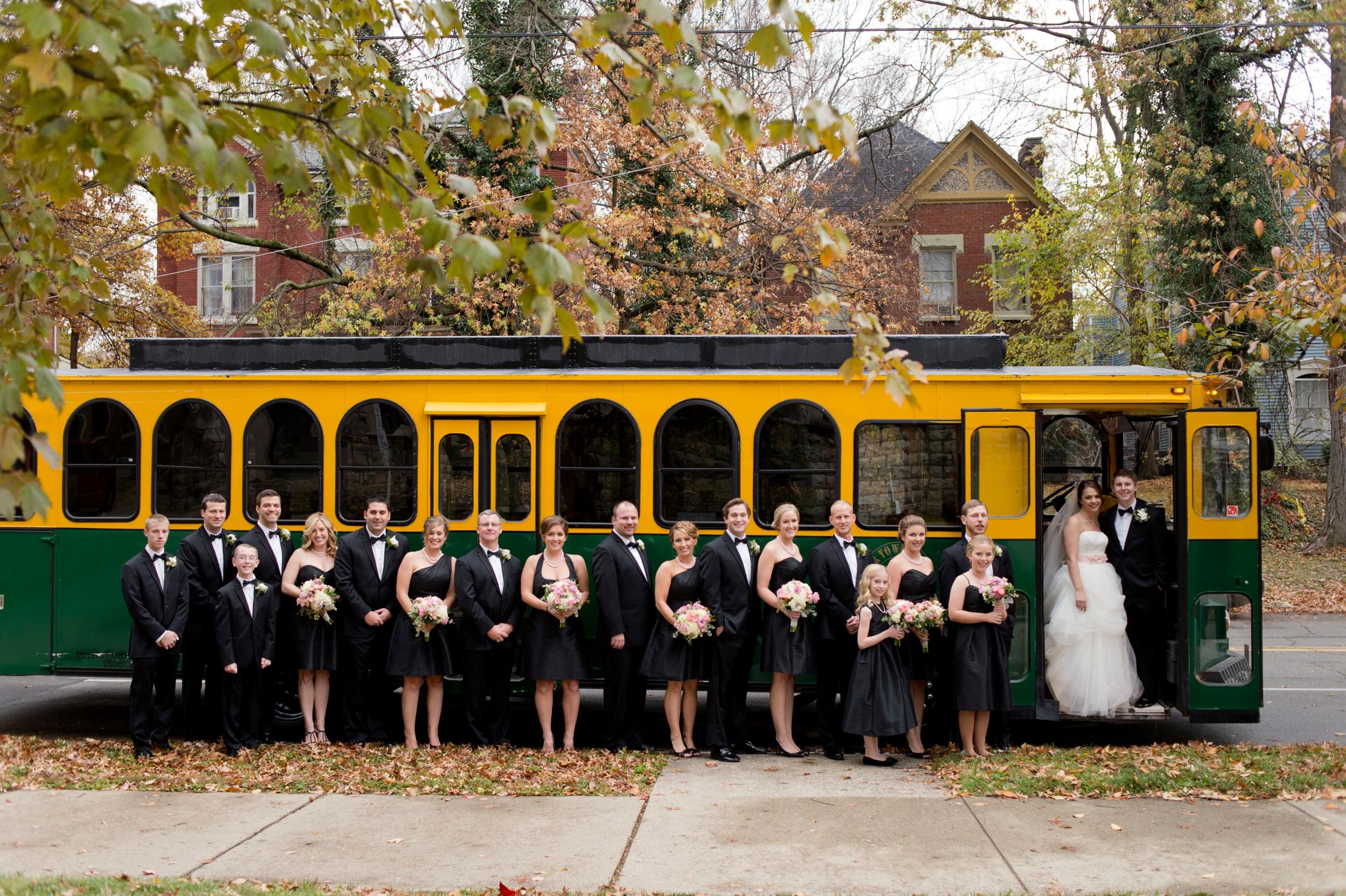 08-louisville-trolley-wedding.JPG