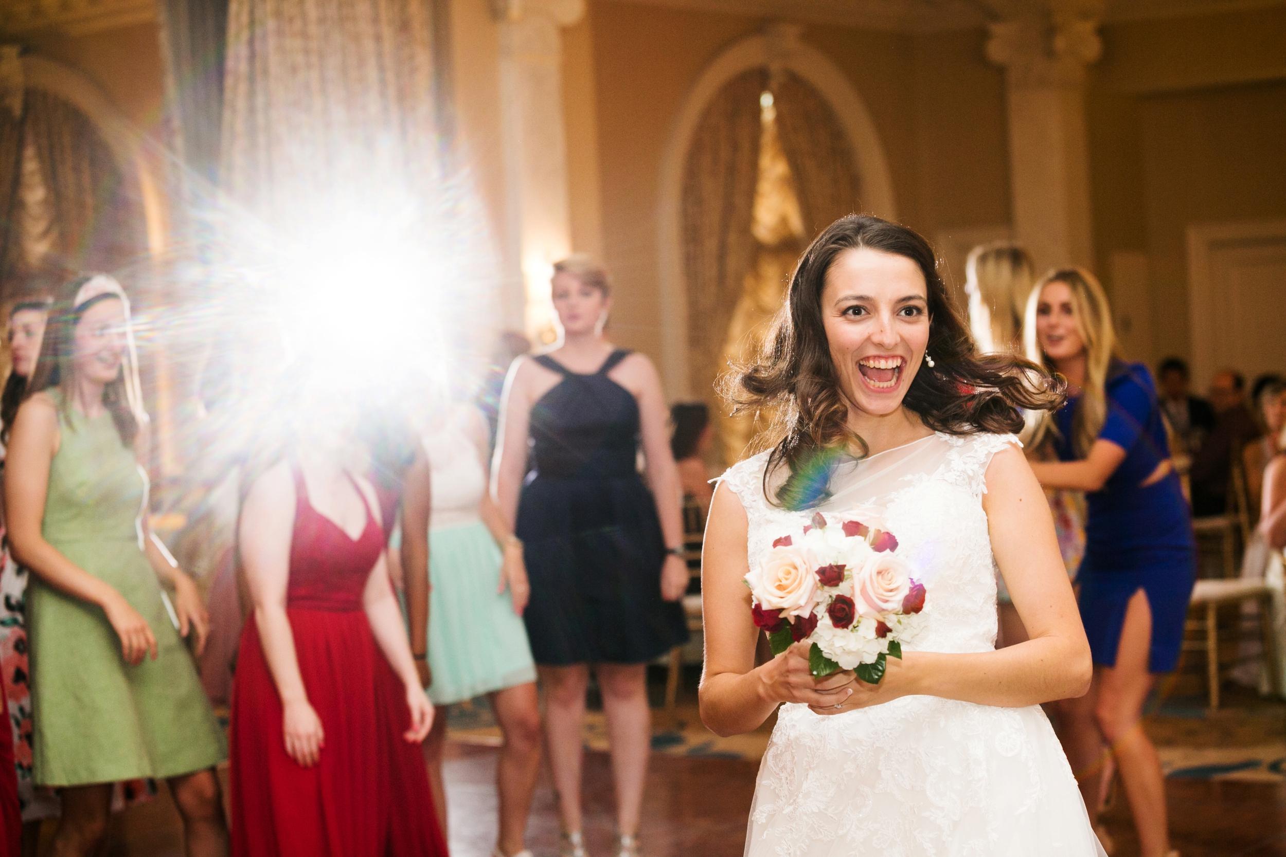 20-seelbach-wedding-bouquet-toss.JPG
