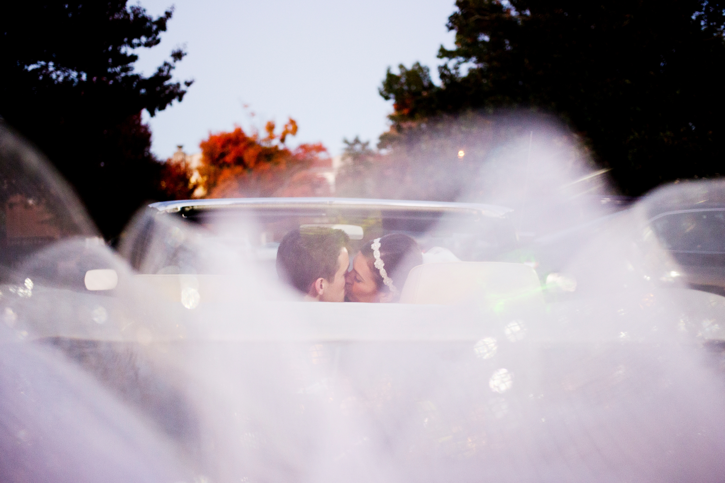56-convertable-wedding-kiss.JPG