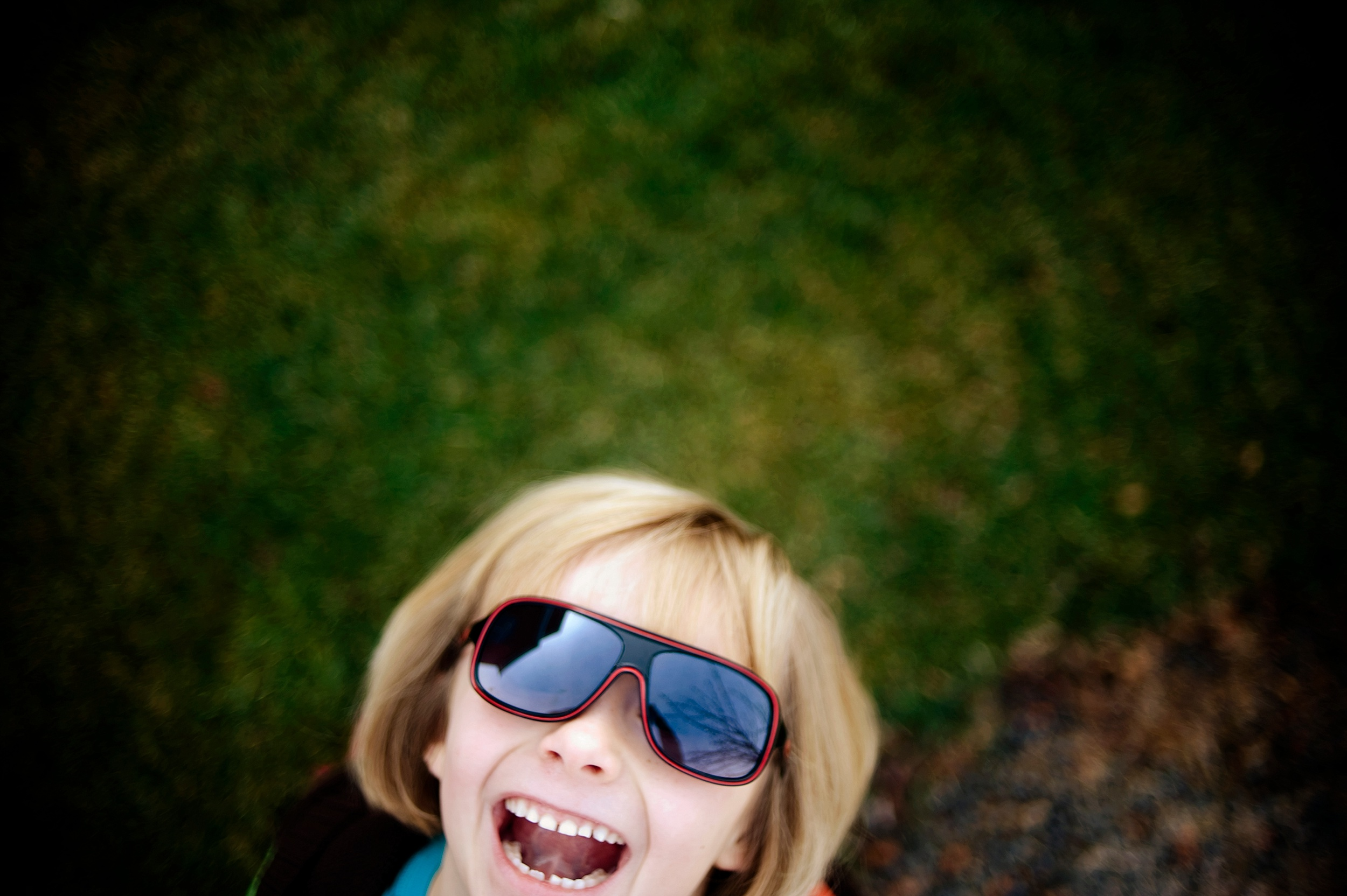 21-laughing-girl-photo.jpg