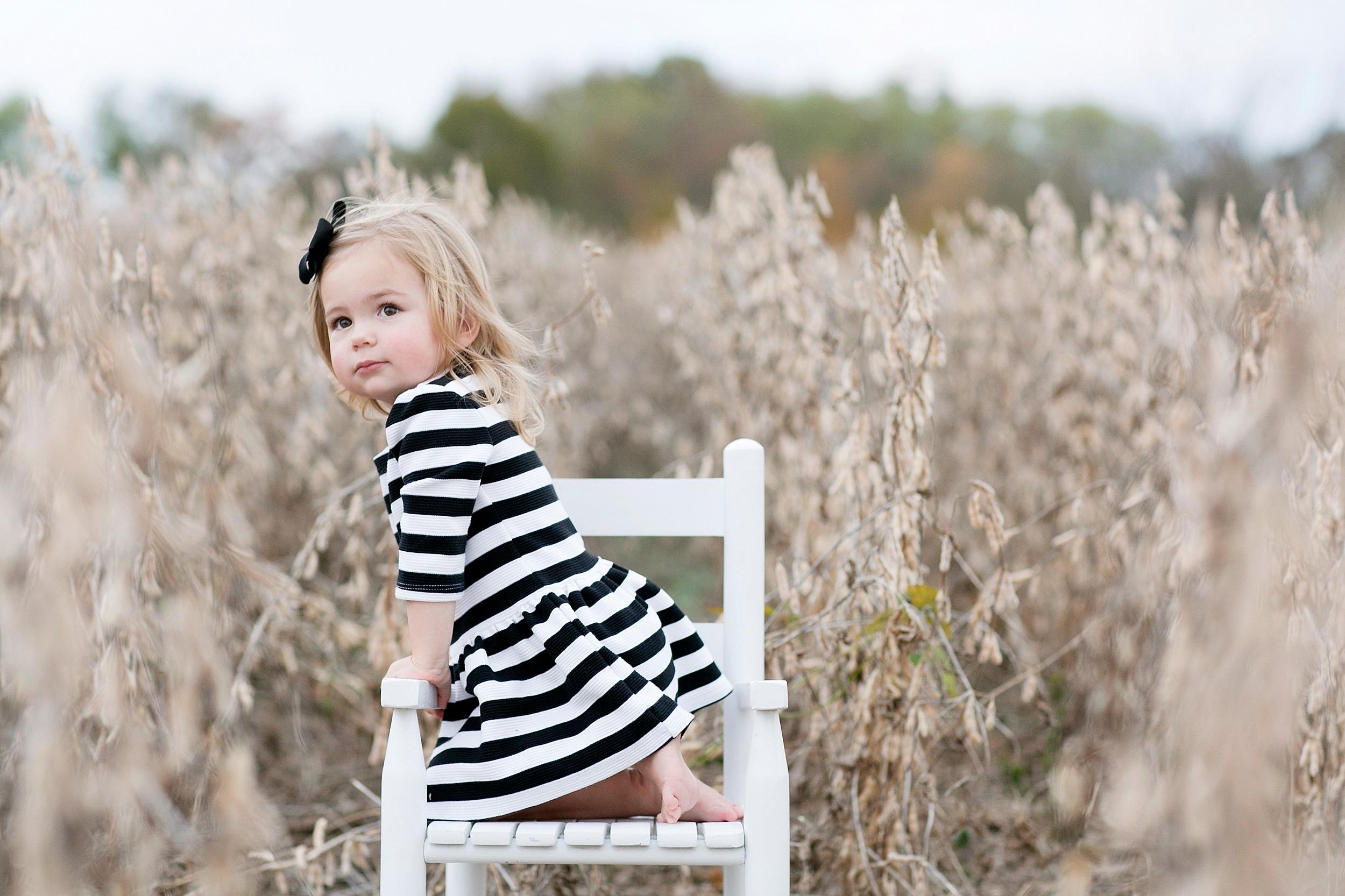 32-stripe-dress-in-rocking-chair-girl-photo.jpg