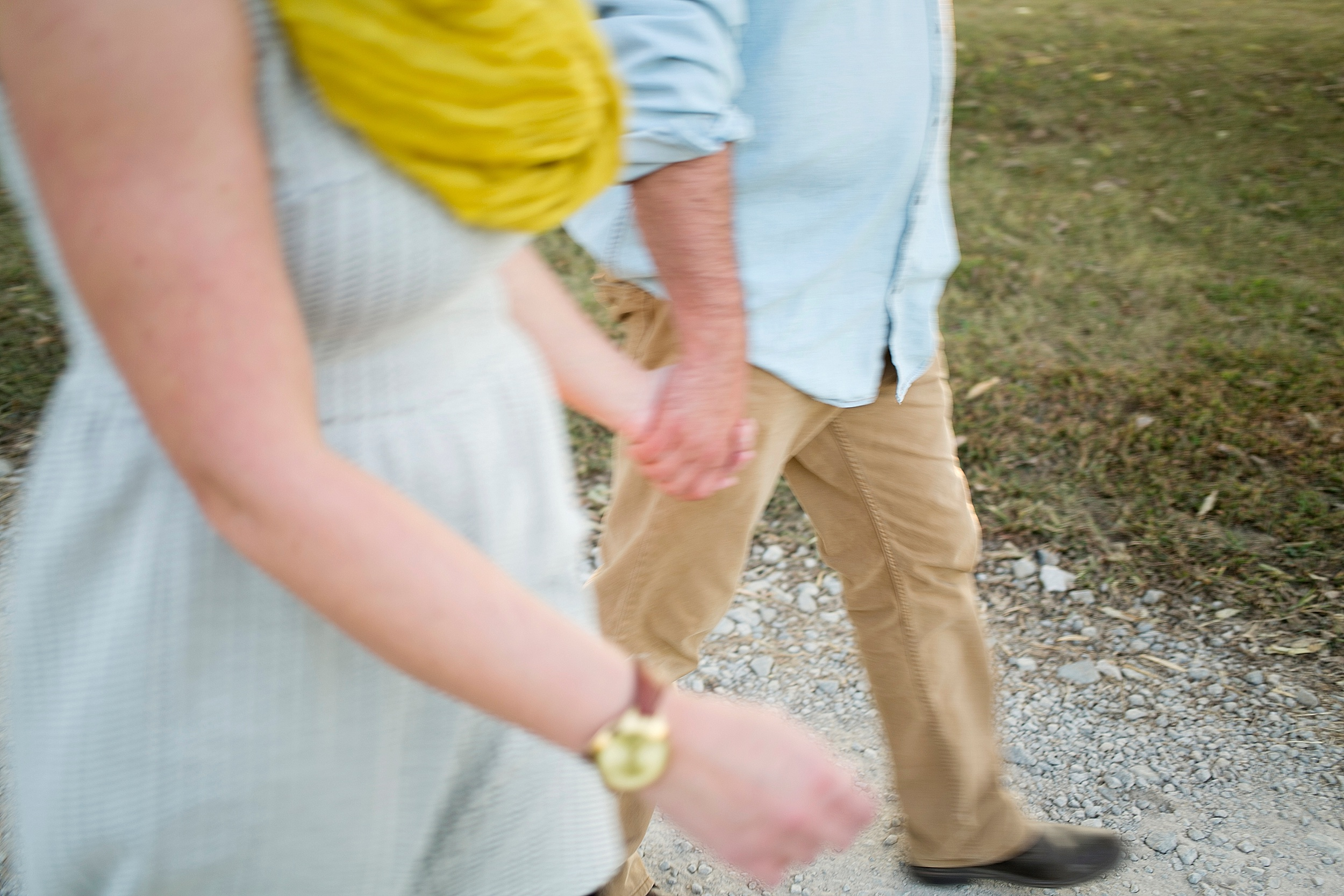 49-couple-holding-hands-family-pic.jpg