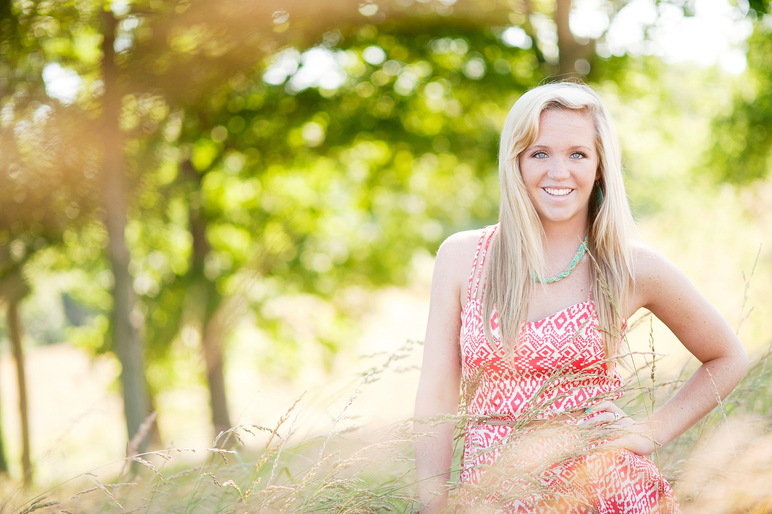 35-louisville-senior-pictures-outdoors.jpg