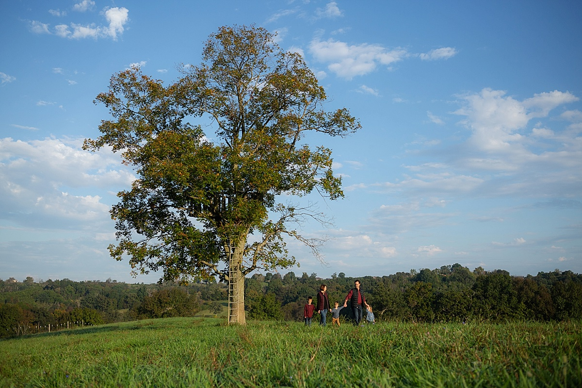 kentucky-family-farm-photos-in-the-creek-032.JPG