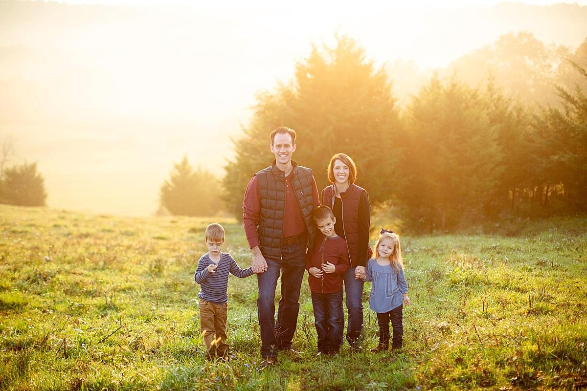 kentucky-family-farm-photos-in-the-creek-035.JPG