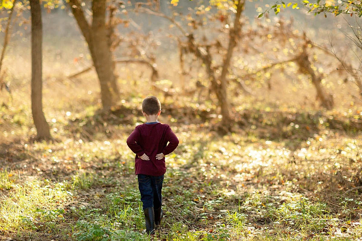 kentucky-family-farm-photos-in-the-creek-039.JPG