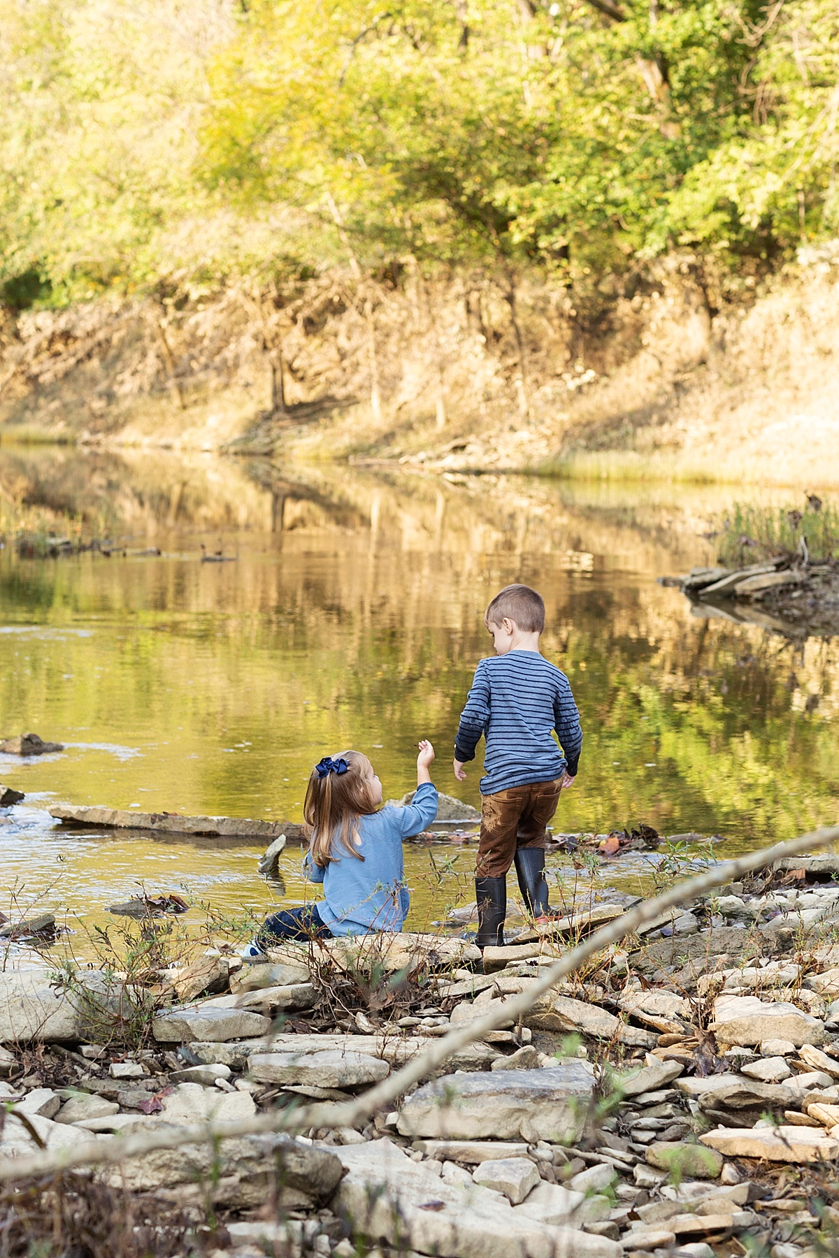 kentucky-family-farm-photos-in-the-creek-042.JPG