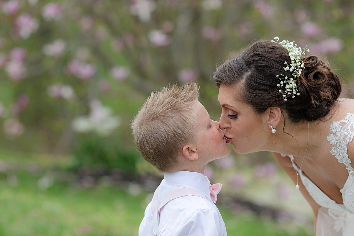 henry-county-wedding-kentucky-farm-spring-wedding-11.JPG