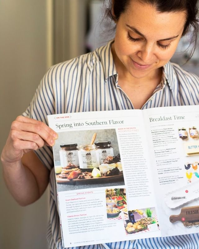 Did you catch us in the March/April issue of Cooking with Paula Deen? Thrilled to share how Holmsted Fines brings the versatile use of chutney to the south with local ingredients.⠀⠀⠀⠀⠀⠀⠀⠀⠀ 📸: @huckleberry_collective⠀⠀⠀⠀⠀⠀⠀⠀⠀ .⠀⠀⠀⠀⠀⠀⠀⠀⠀ .⠀⠀⠀⠀⠀⠀⠀⠀⠀ .⠀⠀⠀⠀⠀⠀⠀⠀⠀ #kitchenstories #anyonecancook #chutney #foodphotography #chefinyou #servewithlove #foodiegram #moodofmytable #foodstyling #ourfoodstories #eatmoreplants #fitfood #healthyfood #cleaneating #lowsugar #healthyeats #quickandhealthy #thenewhealthy #dairyfree #eatclean #farmtotable #farmtofork #shoplocal #southermade #tasteofthesouth #southerncooking #buzzfeedfood #buzzfeedtasty #eatlocal