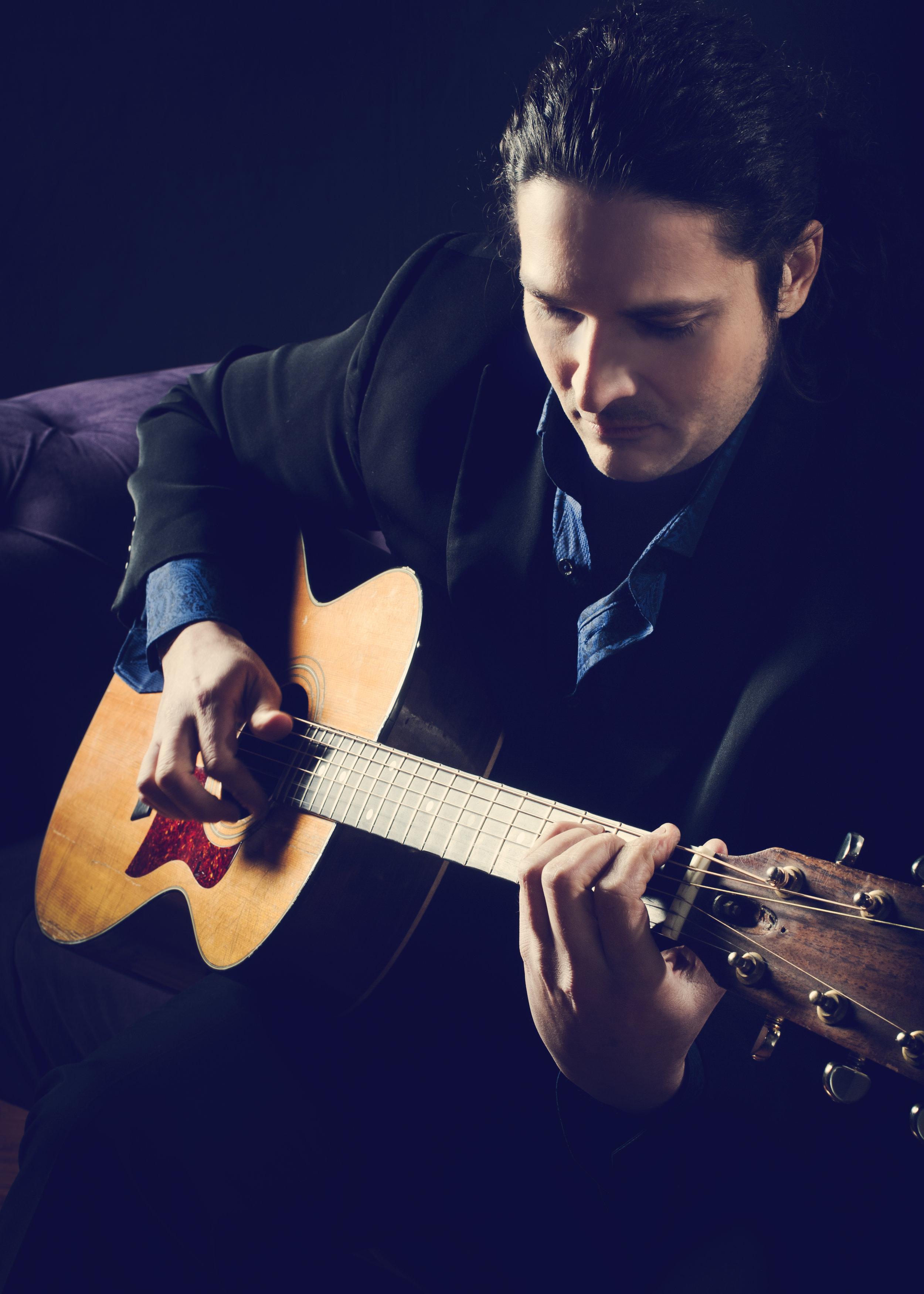Andreas Kapsalis    World Class Performer & Composer
