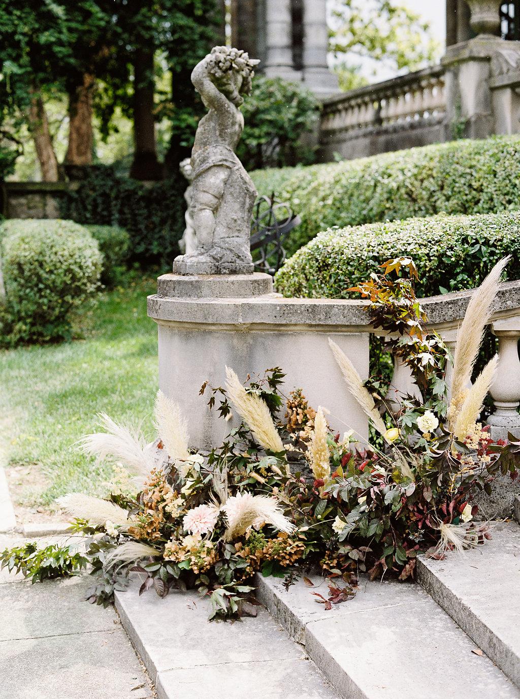 fall-wedding-Jenny-haas-Samantha-joy-events-laurel-court-cincinnati-wedding-staircase-installation